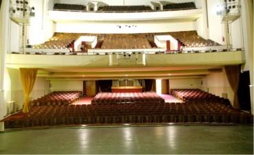 Cantando rockanroles en el Teatro Municipal