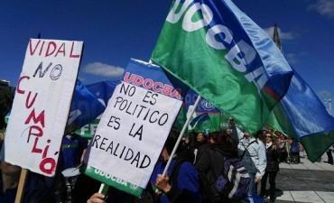 Conflicto docente: UDOCBA y SUTEBA continúan el paro