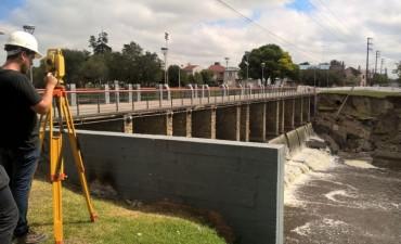 Relevamiento y mediciones en el puente de la calle Hornos