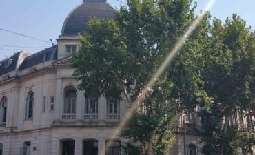 El Municipio abona sueldos y bono