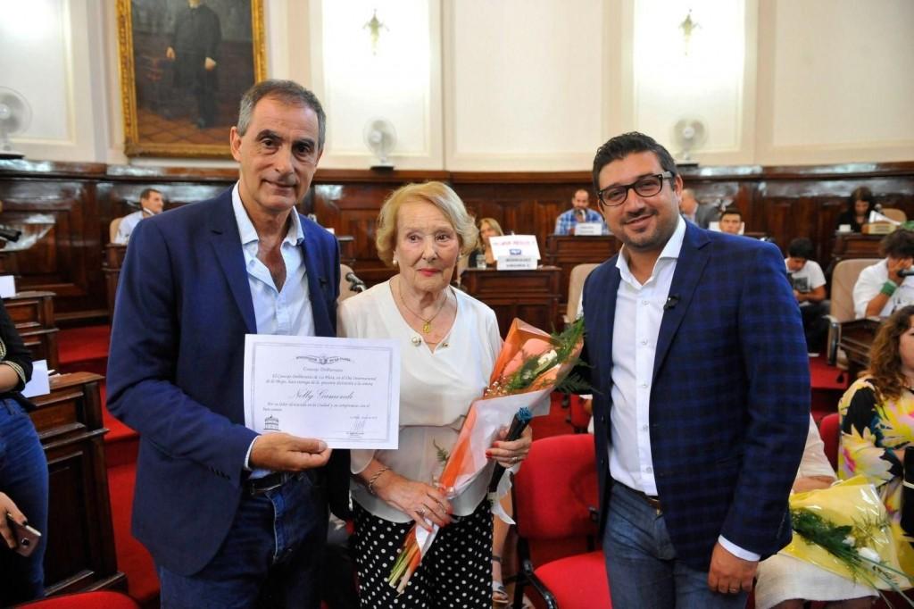 Una Olavarriense fue reconocida por el HCD de la ciudad de La Plata