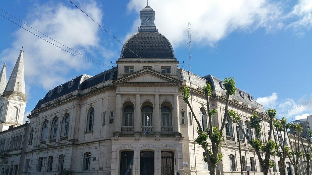 El Municipio se iluminó de verde para conmemorar el Día del Síndrome de Down