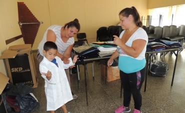 El Sindicato de Trabajadores Municipales de Olavarría continua con la entrega de guardapolvos para hijos de sus afiliados