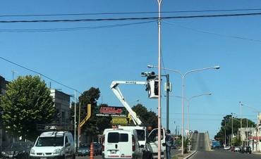 Se instalaron cámaras para detectar infracciones por cruzar semáforo en rojo
