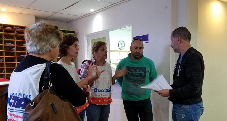 En Olavarría, los docentes reclaman por el tema licencias