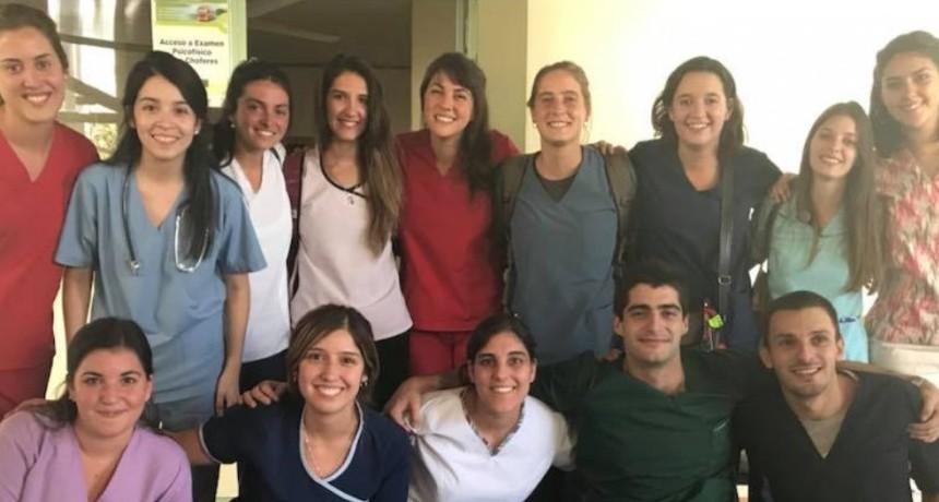 50 nuevos graduados entre Enfermería y Medicina