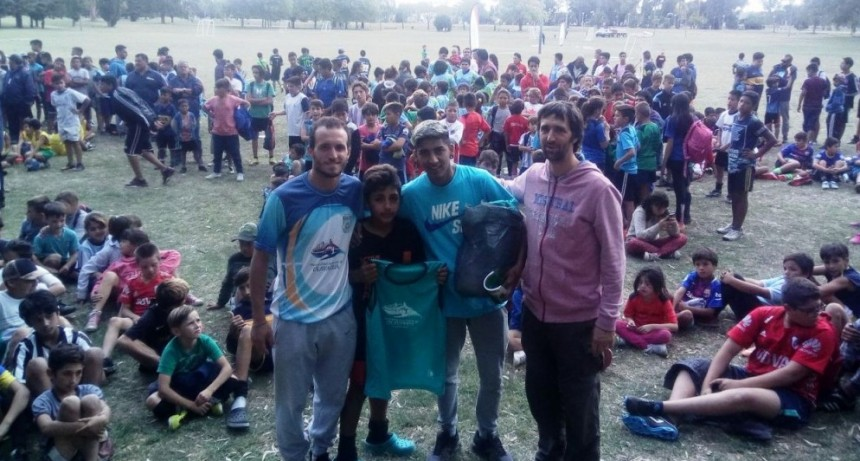 Exitoso encuentro de fútbol en el Parque Helios Eseverri