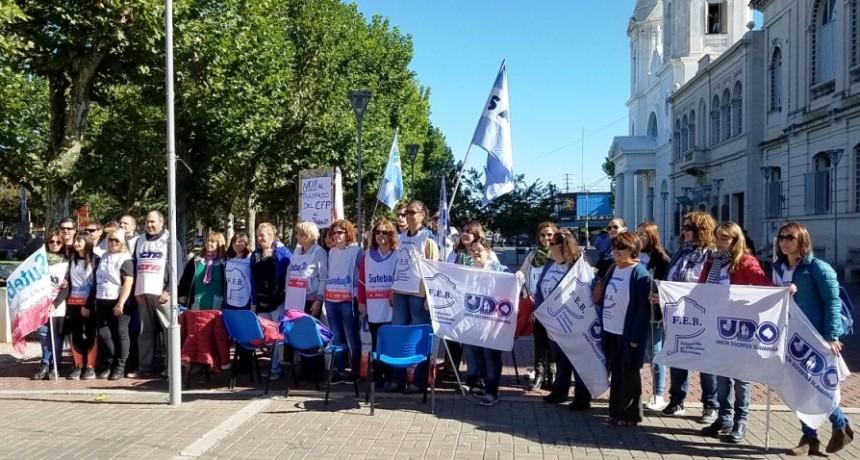 Estatales protestan en Olavarría
