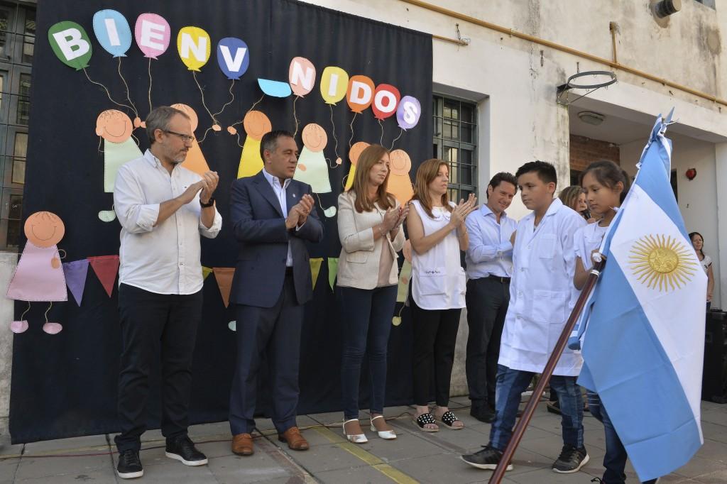 Sin el presidente Macri, la gobernadora inauguró el ciclo lectivo 2019