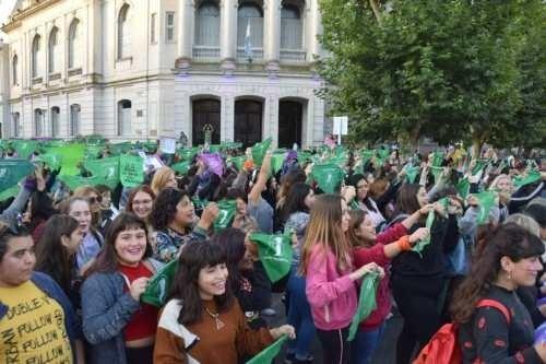 Día de la mujer: marcha en el centro de la ciudad