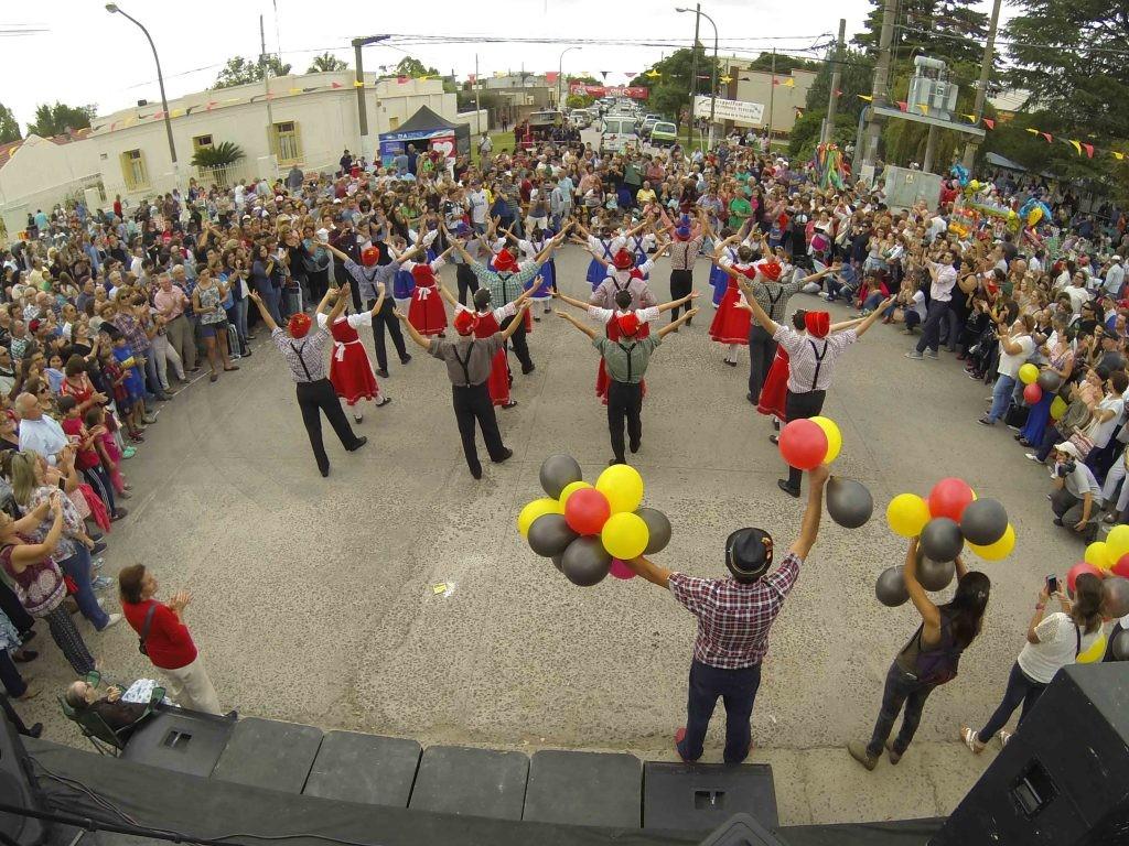 Se realiza la  9º Kreppelfest en Colonia Hinojo