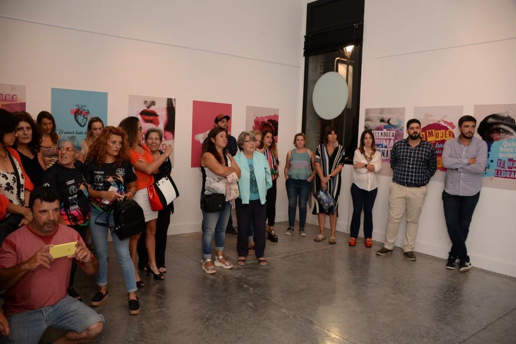 Inauguró la muestra 'Refranes populares: El lenguaje como herramienta machista'