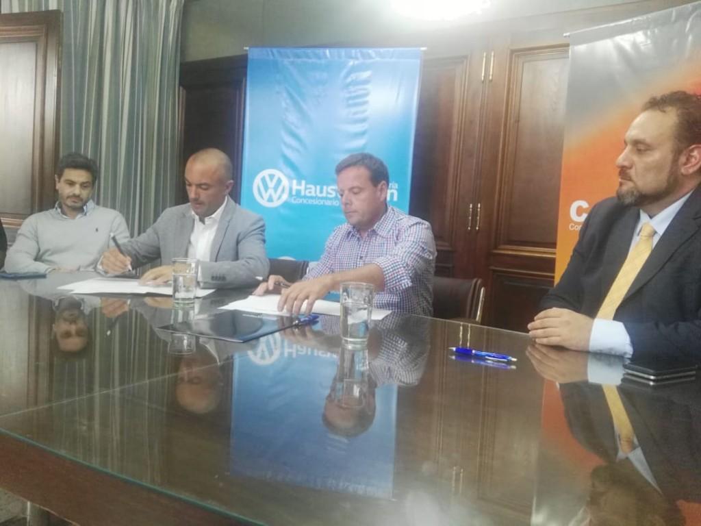 Hauswagen y Center Valley firmaron un importante convenio con el Círculo Médico de Olavarría