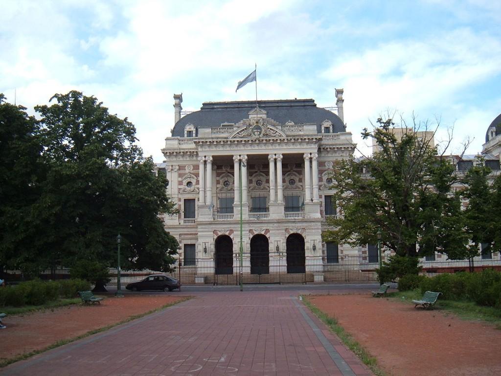 Reglamentaron las licencias en el Sector Público provincial