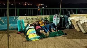 Argentinos atrapados en un puente en zona de nadie: 'Es como estar presos, pero no hicimos nada'
