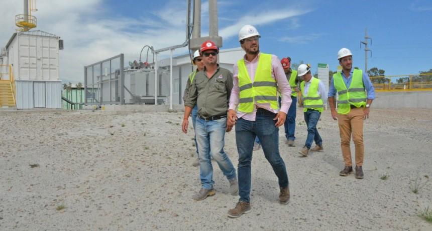 Ezequiel Galli junto a funcionarios recorrió Cementos Avellaneda