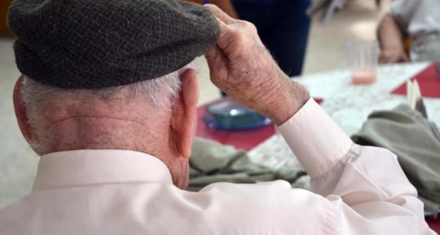 Salud recomienda medidas para prevenir el coronavirus en geriátricos y residencias para adultos mayores