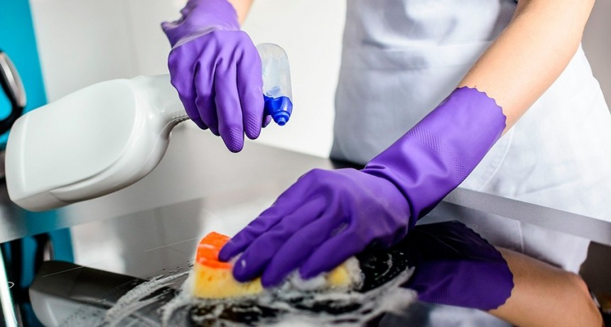 Cuánto tiempo permanece el coronavirus sobre las distintas superficies
