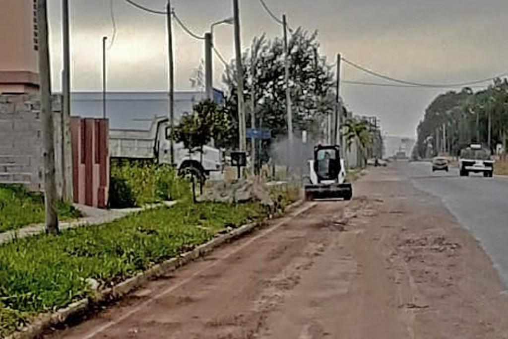 En el barrio Carlos Pellegrini se desarrollan tareas de mantenimiento de calles