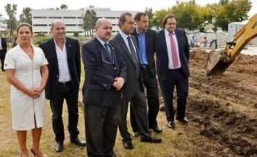 Scioli cedió tierras a la UNLP