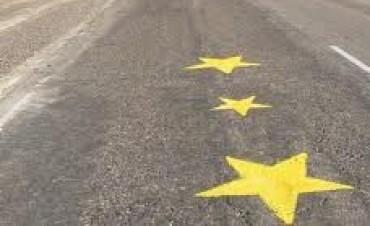 Reanudan las pintadas de las estrellas amarillas