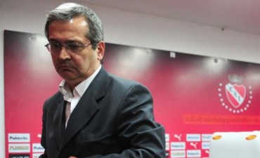 Javier Cantero renunció a la presidencia de Independiente