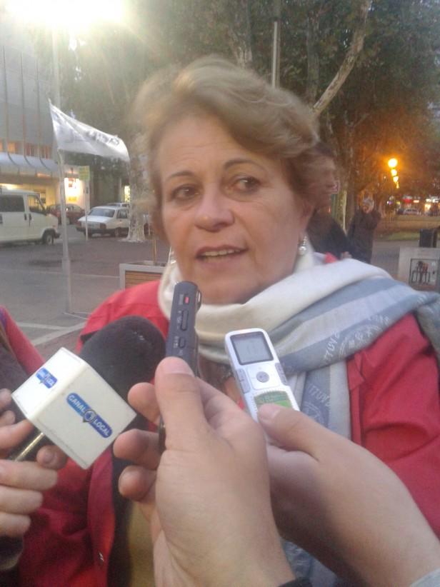 Vigilia Docente: Petrocini anunció que el viernes tendrán un encuentro con el gobierno