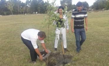 La UCR Olavarría recordó a Raúl Ricardo Alfonsín