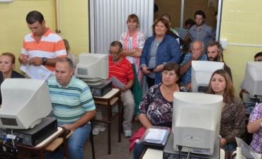 Capacitación en informática a emprendedores locales en el ITECO