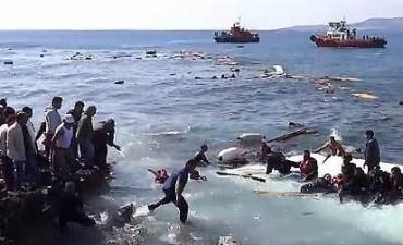 Barco con inmigrantes chocó contra una roca en Grecia