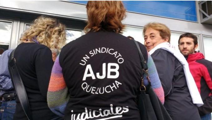 Judiciales protestaron en las calles de Olavarría