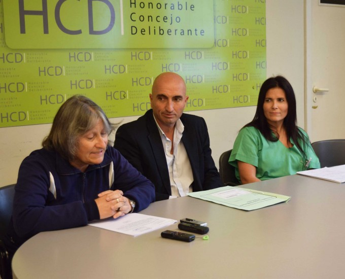 Presentación de proyecto sobre pirotecnia en el HCD