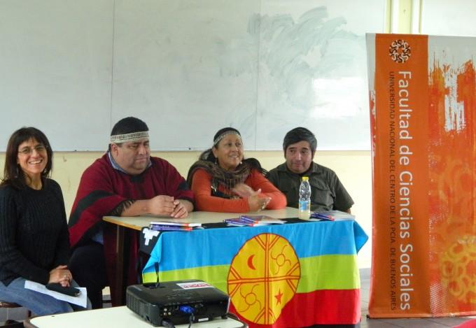 Se presentó el diccionario bilingüe de idioma Mapuche