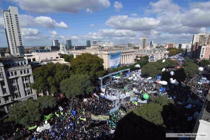 Olavarrienses se movilizaron al acto de las centrales obreras
