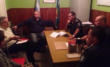 Seguridad: Reunión con vecinos del barrio AOMA