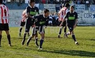 Futbol local: Este lunes Racing puede ampliar la ventaja