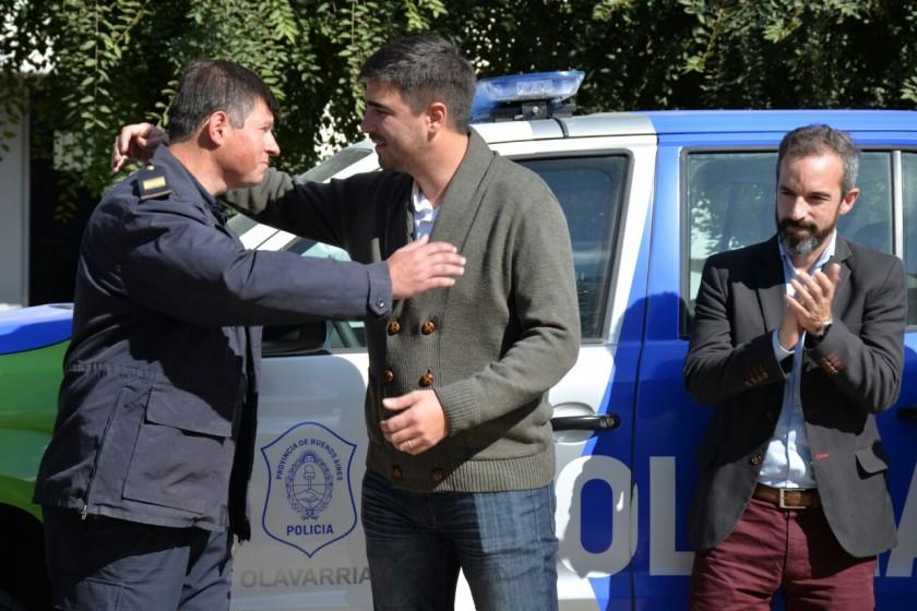 El intendente Galli entregó un patrullero en Recalde