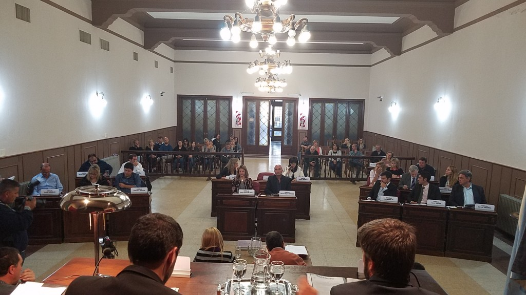 El Concejo aprobó la licencia de Blanco y el pedido de restitución de los bachilleratos
