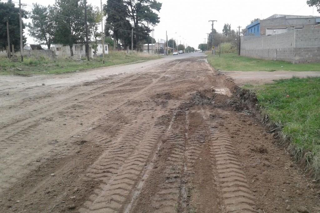 Mantenimiento de calles en avenida Ituzaingó