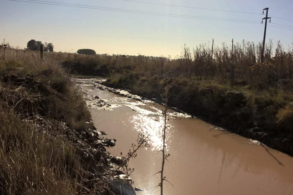 Se iniciaron los trabajos de limpieza de canales en Loma Negra