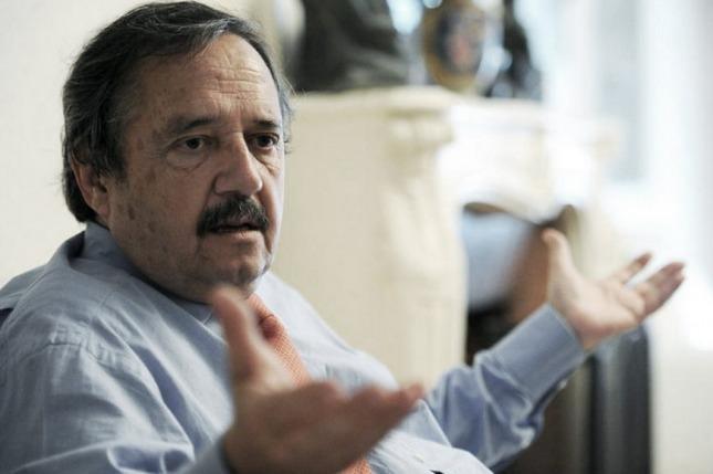Alfonsín: 'ni cuando gobernaba la Unión Cívica Radical , el partido era tan acrítico'