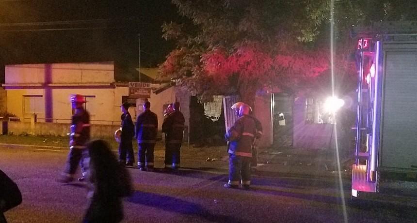 Continúa en estado grave el sobreviviente del trágico incendio