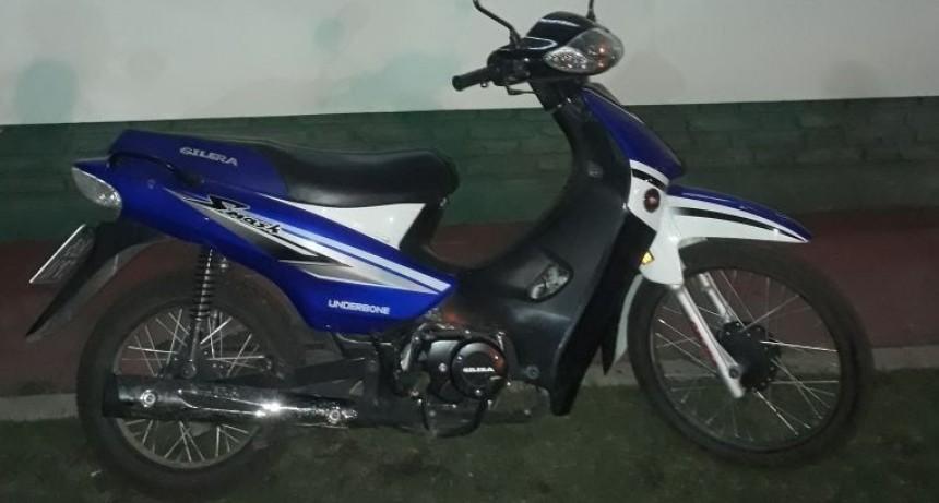 Aprehenden a un joven por robar una motocicleta