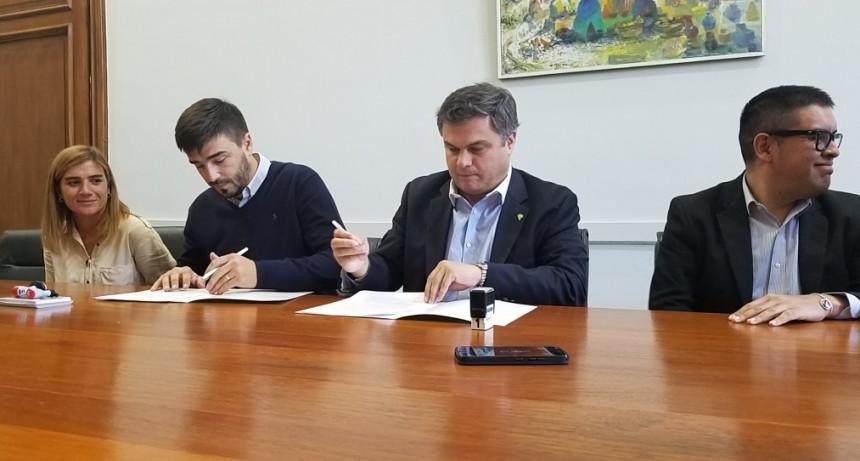 El Ministro de Desarrollo provincial entregó los comedores al municipio