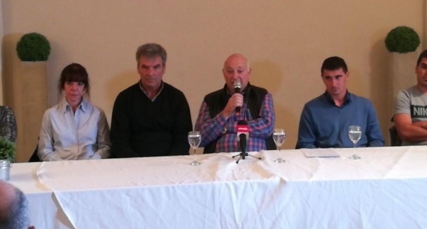 Roberto Vidal presentó su lista para candidado a presidente en Ferro Carril Sud.