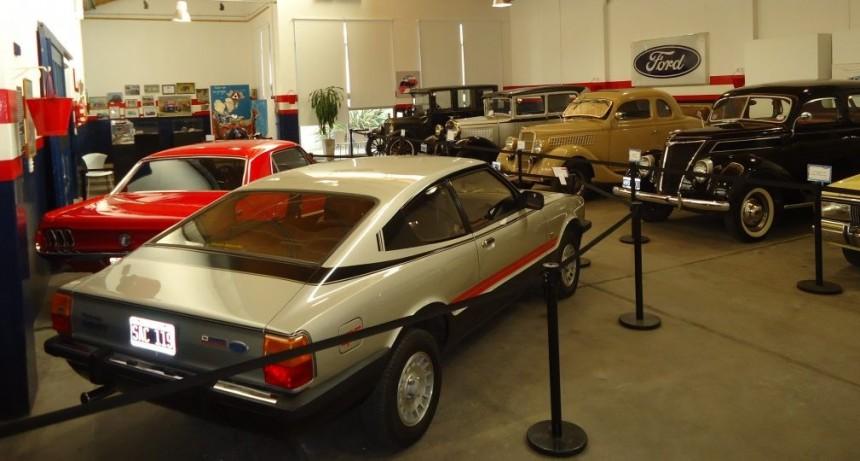 """Se extiende la muestra de """"Autos Antiguos y Clásicos del Ford"""""""