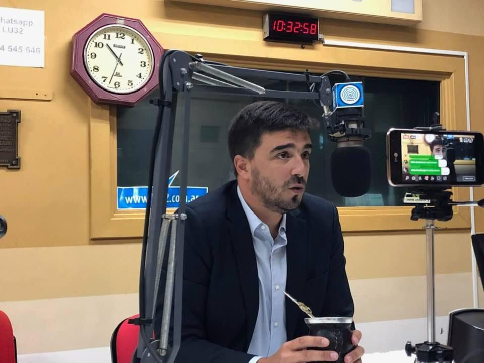 Galli respondió consultas de los oyentes de Radio Olavarría