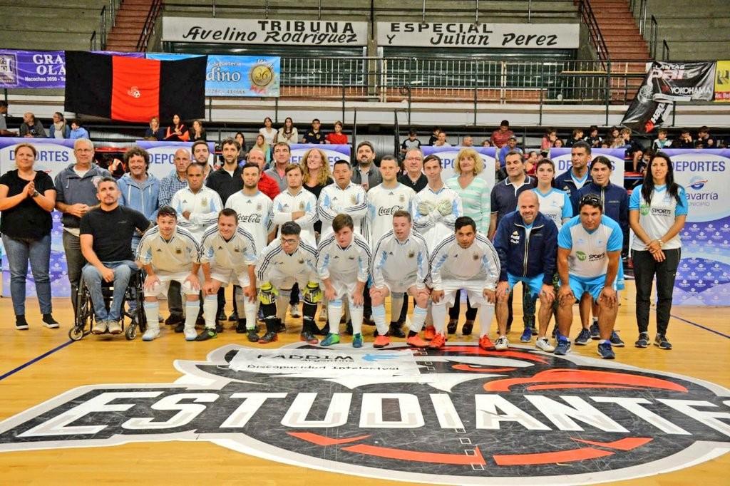 La Selección Argentina de Síndrome de Down en Futsal se exhibe en Olavarría