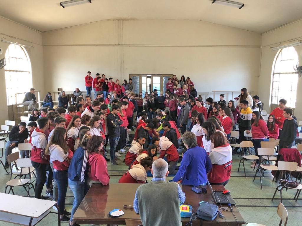 Olavarría Ciudad Cardioprotegida: avanza el trabajo conjunto entre Municipio y escuelas