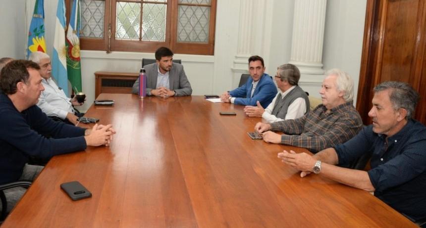 Mesa de trabajo con referentes del sector económico local